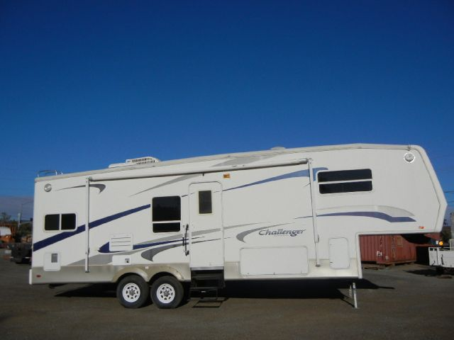 2003 Keystone CHALLENGER FIFTH WHEEL TRAVEL TRAILER W/