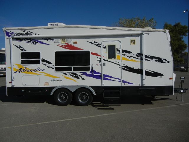2006 Coachmen Adrenaline 23'