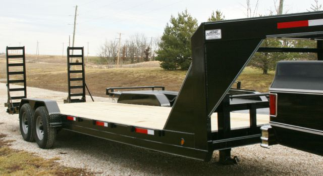 2015 hc 24ft lowboy gooseneck in holden mo
