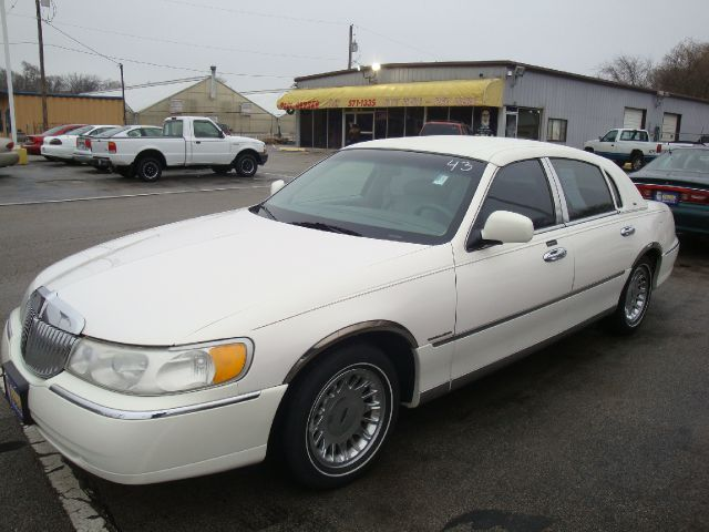 2000 Lincoln Town Car for sale in Omaha NE