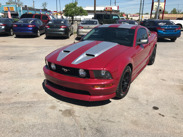 2005 Ford Mustang GT Deluxe 2dr Coupe - Indianapolis IN