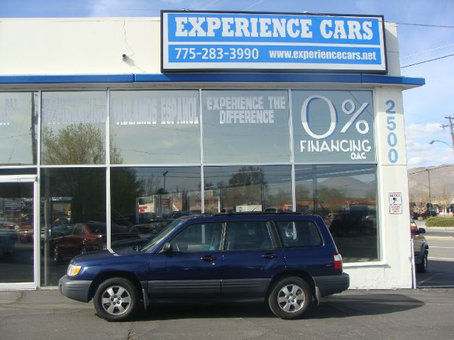 2001 SUBARU FORESTER L blue good fuel economy and a great snow car this forester runs good and is