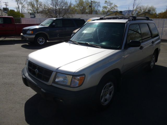 2000 SUBARU FORESTER L silver this subaru forester is in great condition  4wdawdabs brakesair