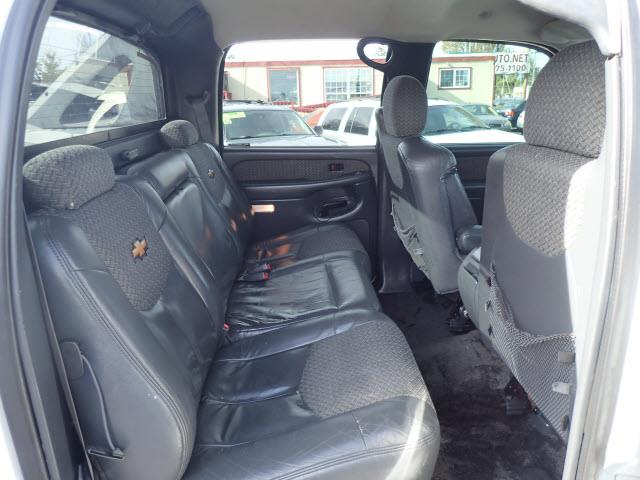 2002 Chevrolet Avalanche 4dr 1500 4WD Crew Cab SB - Portland OR