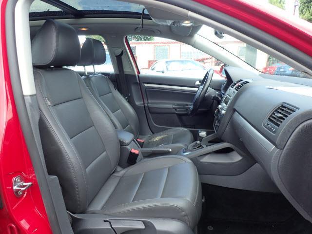 2009 Volkswagen Jetta  - Portland OR