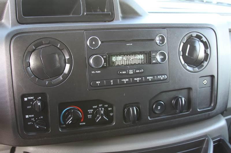 2014 Ford E-350 XLT - North Kansas City MO
