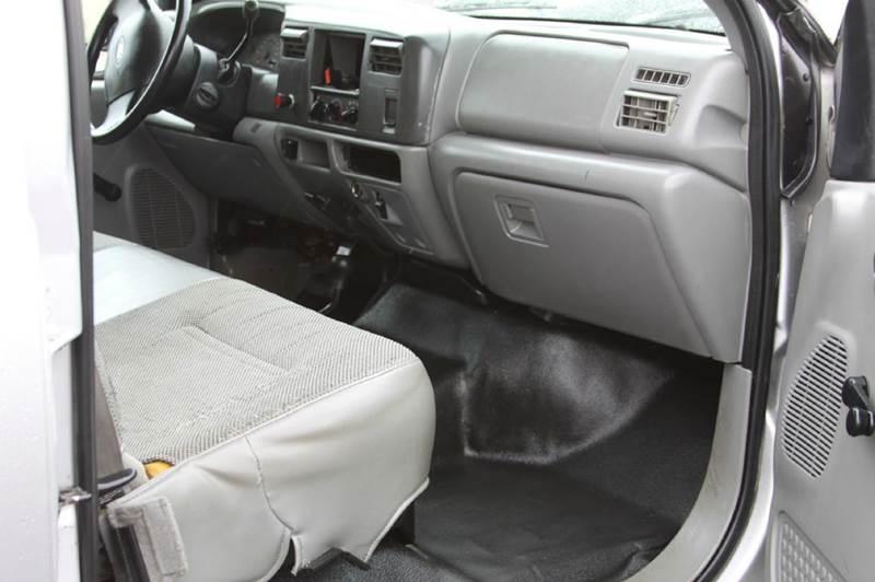 2004 Ford F-550 xl utility bed - North Kansas City MO