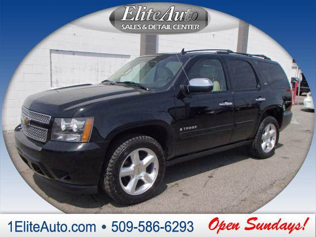 2008 CHEVROLET TAHOE LTZ 4X4 4DR SUV black soft and luxurious leather seating  this baby is goin