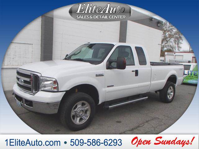 2005 FORD F-350 SUPER DUTY LARIAT white the title check is an important part of the pre-owned buy