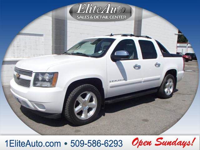 2007 CHEVROLET AVALANCHE LTZ 1500 4DR CREW CAB 4WD SB white some things are too hard to pass up