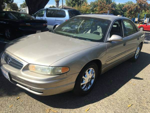 2000 BUICK REGAL LS 4DR SEDAN unspecified abs - 4-wheel anti-theft system - alarm cassette cen
