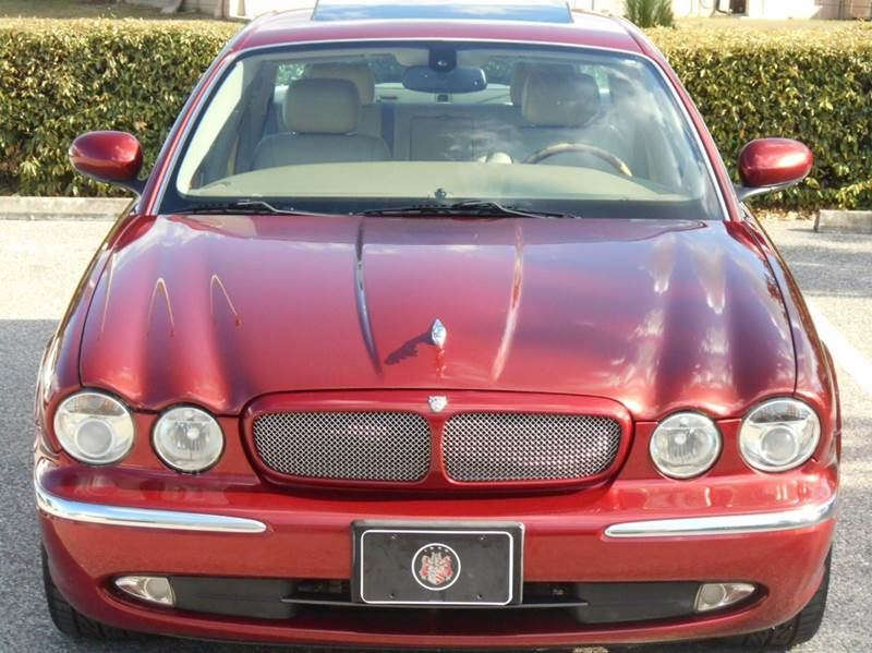 2004 Jaguar XJR 4dr Supercharged Sedan - Riverview FL
