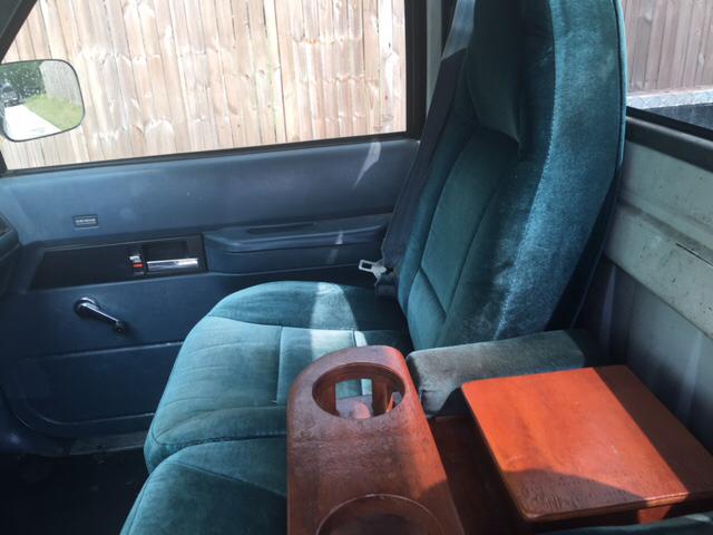 1990 Chevrolet C/K 2500 Series C2500 2dr Standard Cab LB - Huntsville TX