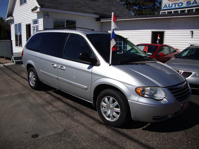 2006 chrysler town and country touring 4dr extended mini van in merrill wi g and g auto sales. Black Bedroom Furniture Sets. Home Design Ideas