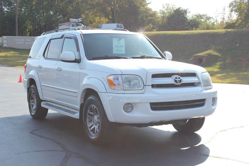 2005 TOYOTA SEQUOIA SR5 4DR SUV white baldwin automotive now has 2 locations to serve you in the