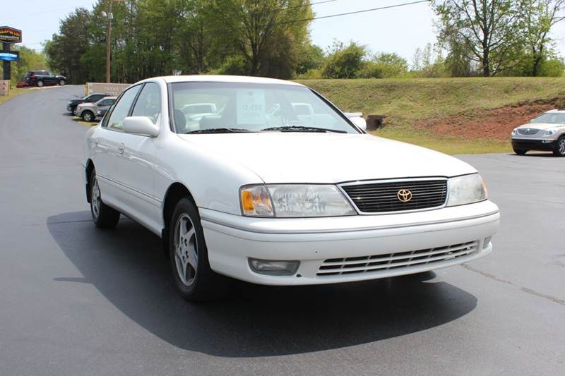 1998 TOYOTA AVALON XLS 4DR SEDAN white budget buster special  toyota quality at a great price