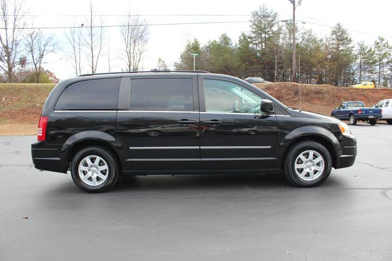 2010 chrysler town and country touring 4dr mini van cars and vehicles easley sc. Black Bedroom Furniture Sets. Home Design Ideas