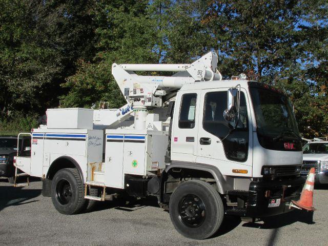 1999 GMC T7500 Altec Bucket Truck