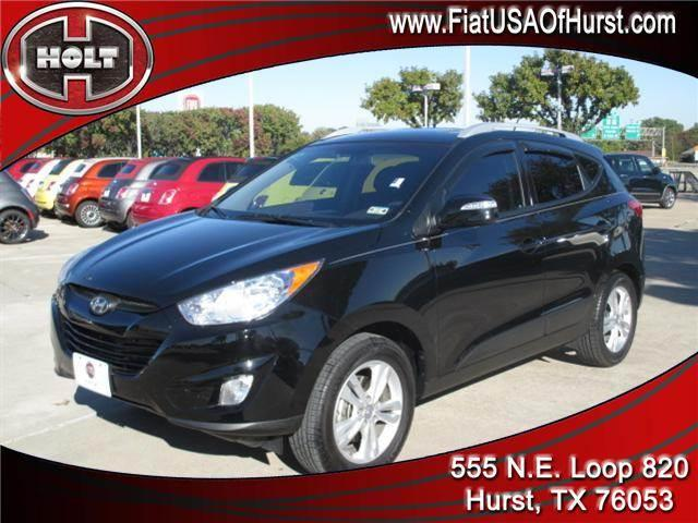 2013 HYUNDAI TUCSON GLS black granite gls trim package  less than 9 200 miles the distinctive st