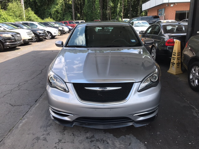 2014 Chrysler 200 Touring 4dr Sedan - Snellville GA