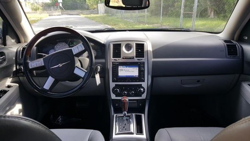 2006 Chrysler 300 C 4dr Sedan - Fort Lauderdale FL