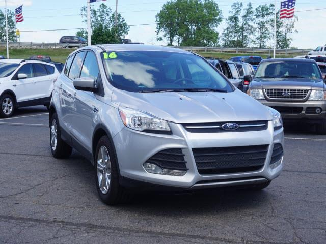 Contact us about this car & 2016 Ford Escape SE 4dr SUV In FOWLERVILLE MI - FOWLERVILLE FORD markmcfarlin.com