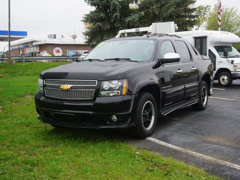2012 Chevrolet Avalanche for sale in Fowlerville, MI
