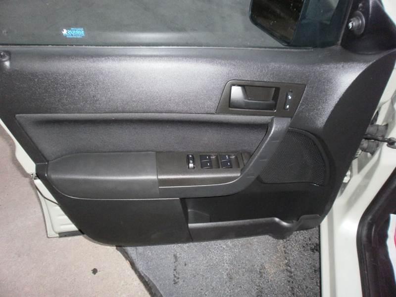 2011 Ford Focus SE 4dr Sedan - Racine WI