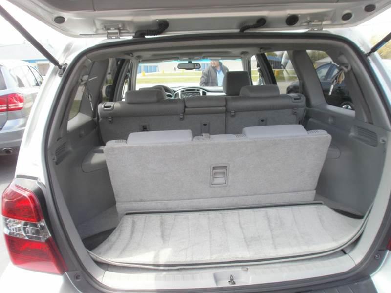 2004 Toyota Highlander Fwd 4dr SUV V6 w/3rd Row - Racine WI