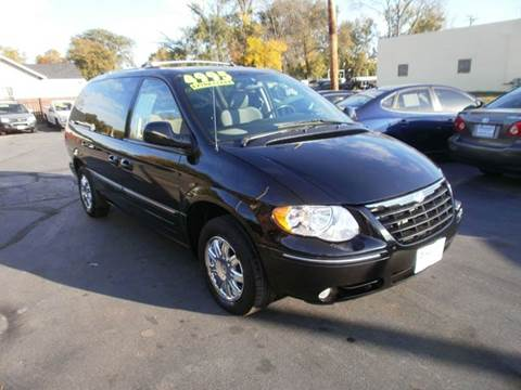 2005 Chrysler Town and Country for sale in Racine, WI