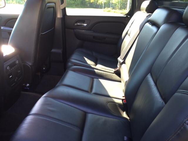 2011 Chevrolet Avalanche LT 4x4 4dr Crew Cab Pickup - Feeding Hills MA