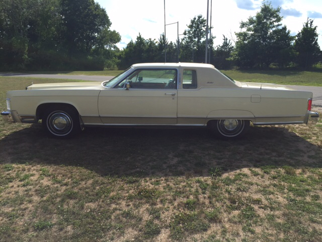 1977 Lincoln Towncoupe Ky - Feeding Hills MA