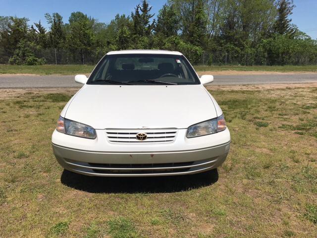 1999 Toyota Camry LE 4dr Sedan - Feeding Hills MA