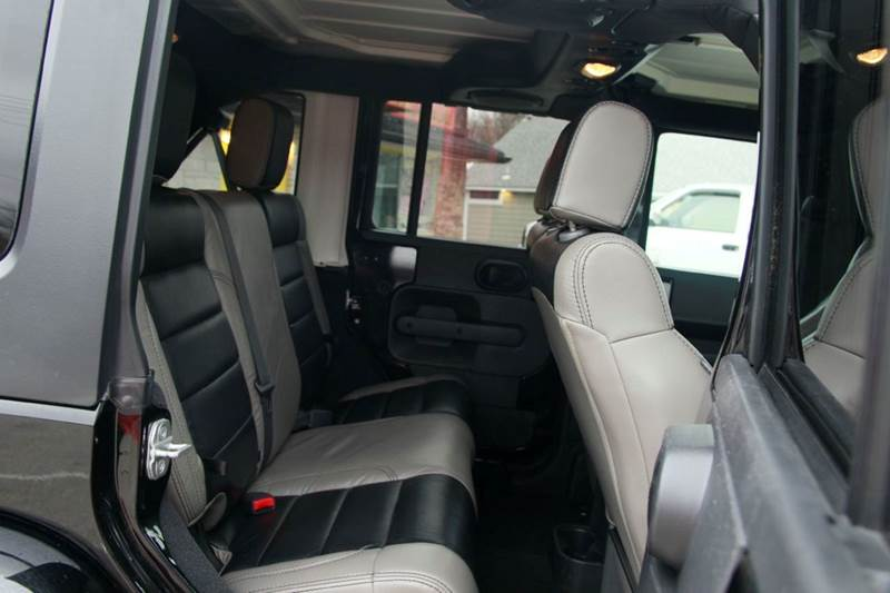 2008 Jeep Wrangler Unlimited 4x4 Sahara 4dr SUV w/Side Airbag Package - St. Charles MO