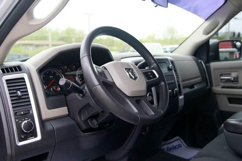 2011 RAM Ram Pickup 1500 SLT 4x4 4dr Quad Cab 6.3 ft. SB Pickup - St. Charles MO