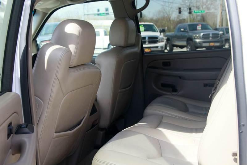 2005 Chevrolet Suburban 1500 LT 4WD 4dr SUV - St. Charles MO