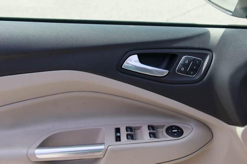 2014 Ford Escape Titanium 4dr SUV - St. Charles MO