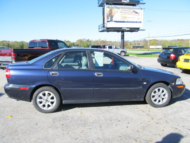 2001 Volvo S40 for sale in New Oxford PA