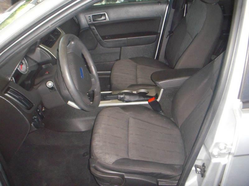 2010 Ford Focus SE 4dr Sedan - Modesto CA