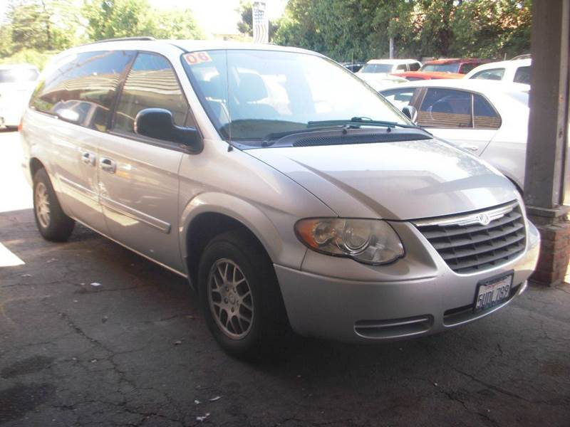 2006 Chrysler Town and Country LX 4dr Extended Mini-Van - Modesto CA