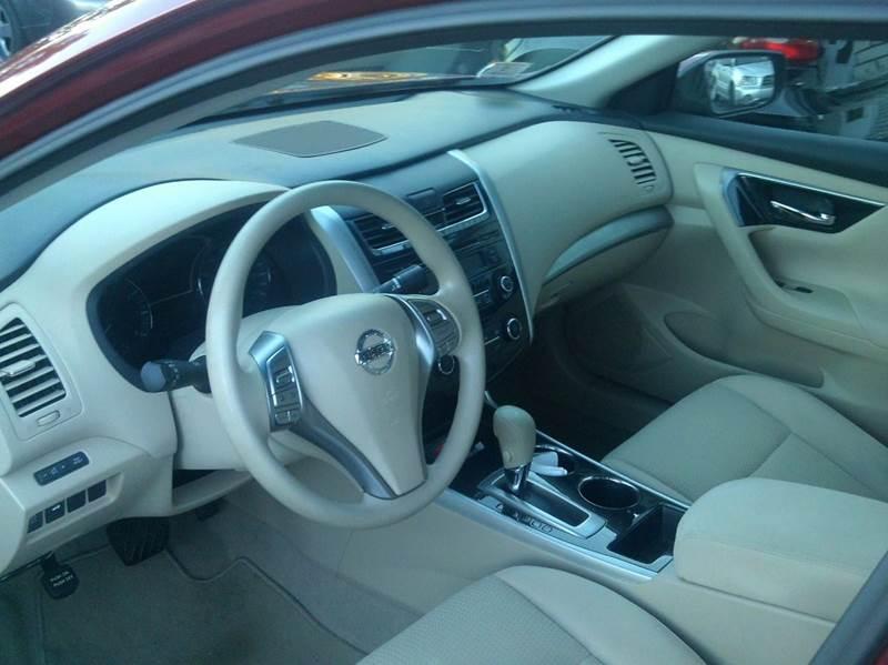 2014 Nissan Altima 2.5 S 4dr Sedan - Johnston RI