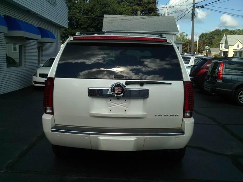 2008 Cadillac Escalade AWD 4dr SUV - Johnston RI