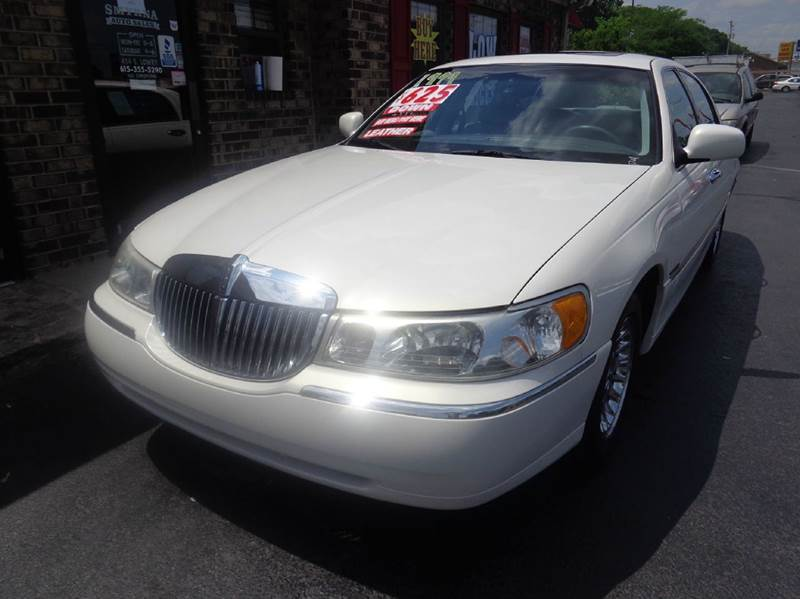 1999 Lincoln Town Car Cartier 4dr Sedan - Smyrna TN