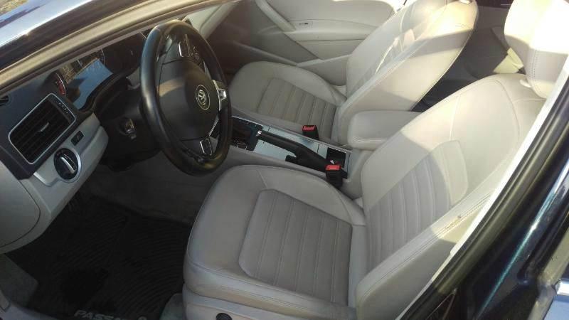 2012 Volkswagen Passat V6 SE 4dr Sedan w/ Sunroof and Navigation - Glendale CO