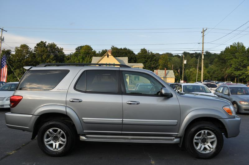 2005 Toyota Sequoia Limited 4WD 4dr SUV - Hooksett NH