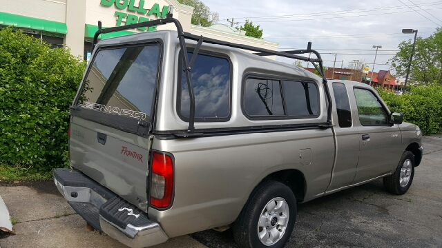 2000 Nissan Frontier 2dr XE Extended Cab SB - Hendersonville TN