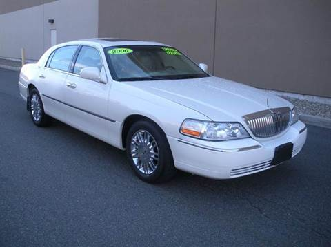 2006 Lincoln Town Car for sale in Melrose, MA