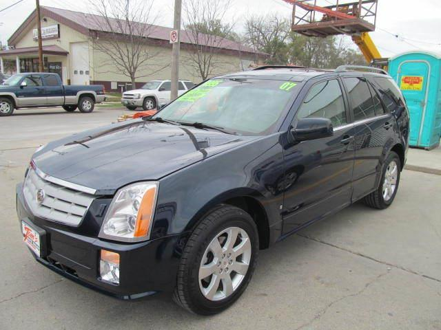2007 Cadillac SRX for sale in Des Moines IA