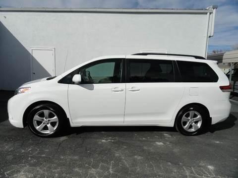 2013 Toyota Sienna for sale in Hillsboro, KS