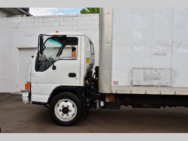 2005 Isuzu NQR for sale in South River NJ
